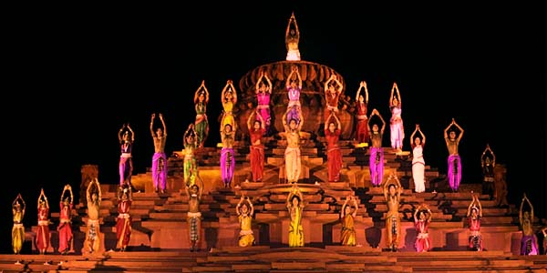 Be mesmerized with some amazing dance performances at the spectacular Modhera Dance Festival