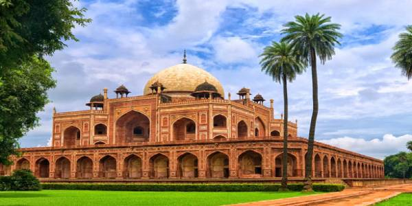 10 Indian monuments to remain open until 9 pm