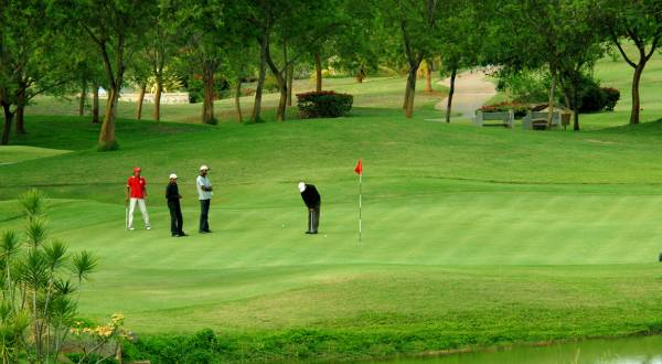 Golfing tour in ooty