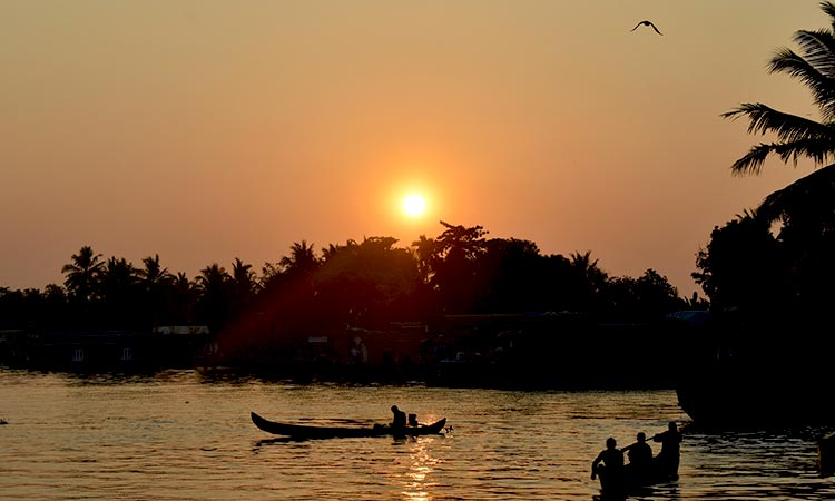 Kerala beaches and backwaters Holiday package